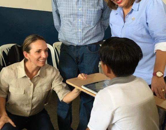 Fundación Nobis inauguró aula virtual, en la periferia de la ciudad